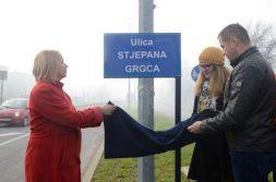 Otkrivanje-ploče-s-nazivom-Ulice-Stjepana-Grgca-01-750x501
